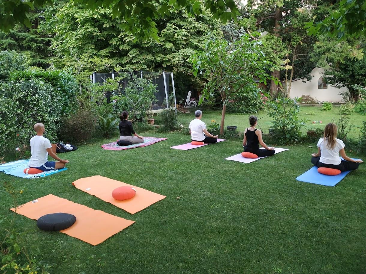 Immagine pratica yoga lecco yoga lago
